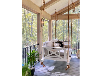 Charleston Boxy Bed Swing Side View